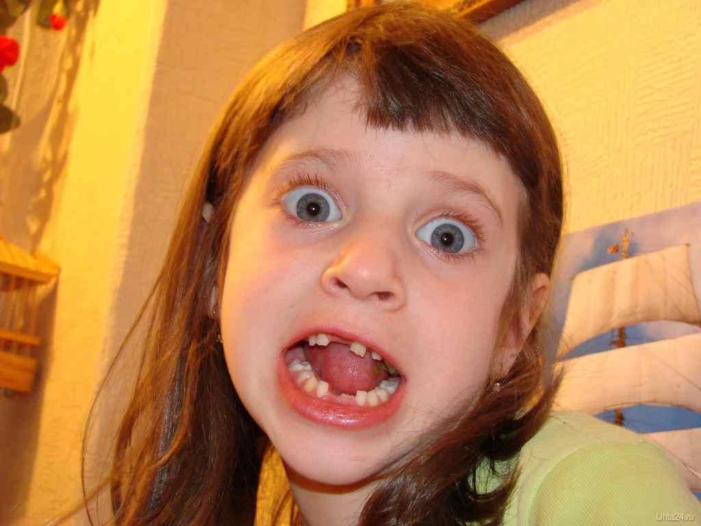 Стеклянные зубы к чему снится 22