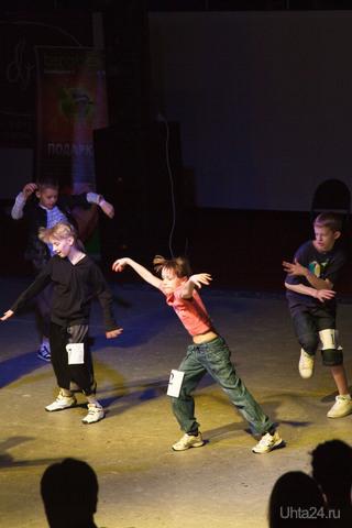 """фестиваль""""Dance Integration- 2010"""", день третий, уличные танцы, выступают самые младшие Мероприятия Ухта"""
