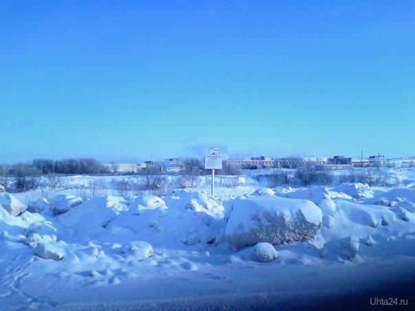 свалка грязного снега с улиц города на единственном официальном пляже в г.Ухта Природа Ухты и Коми Ухта