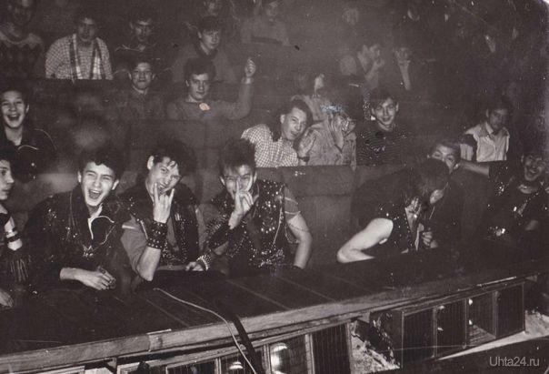 может кто то узнает себя вроде 89г.ДК рок фестиваль. Наши люди Ухта