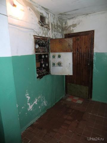 Электрический щиток во 2-м подъезде наб. Нефтяников дом 2, 5-й этаж. Ухта