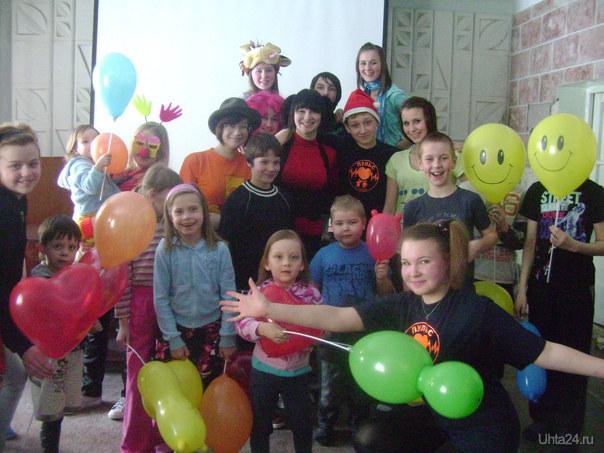 """волонтёры """"ПУЛЬСА""""провели праздник """"1 апреля""""в городской детской больнице. Мероприятия Ухта"""