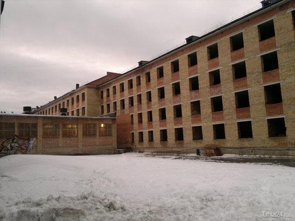 Школа №13. Новый корпус который начали строить еще в СССР. Улицы города Ухта