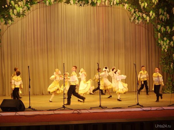 """ДК 12.05.2011г.на сцене ансамбль""""Забава"""" Мероприятия Ухта"""