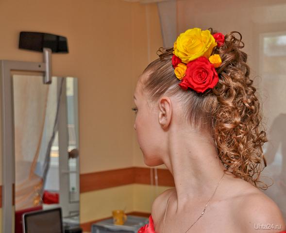 Прическа со страбилизированными цветами OLA DE ROSA, САЛОН КРАСОТЫ Ухта