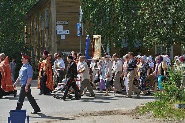 Крестный ход 17 июля 2009г.  Ухта