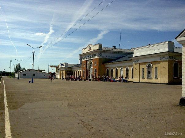 ЖД вокзал, август 2009 Улицы города Ухта