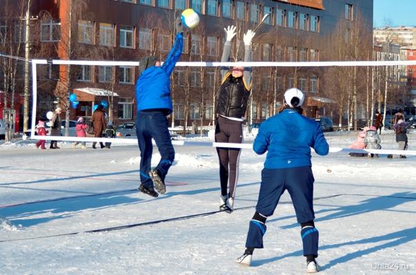 Снежный волейбол  Ухта