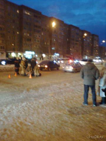 Сегодня возле проспекта Ленина 28  примерно в 18:15 сбили пешехода по нерегулируемому пешеходному переходу  Ухта