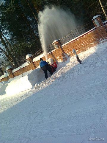 """В налоговой инспекции г. Ухты """"насилуют"""" снегоуборочник... Разное Ухта"""