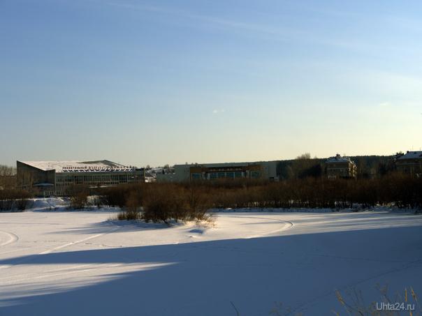 Вид на Мира, Бассейн и Ледовый дворец.  Ухта