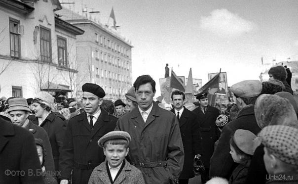 1967г.Демонстрация. Автор В.Белых.  Ухта