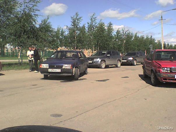 Авария на пр-те Зерюнова, июнь 2007г Происшествия Ухта