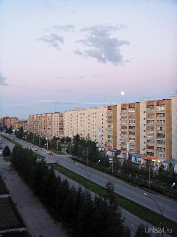 Полнолуние белой ночью... Улицы города Ухта