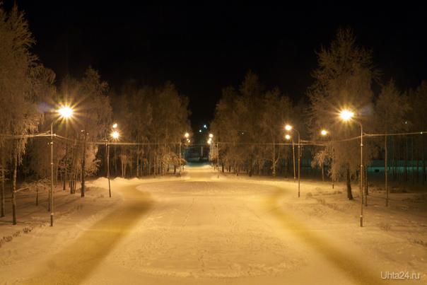 Красиво в морозном парке. Улицы города Ухта