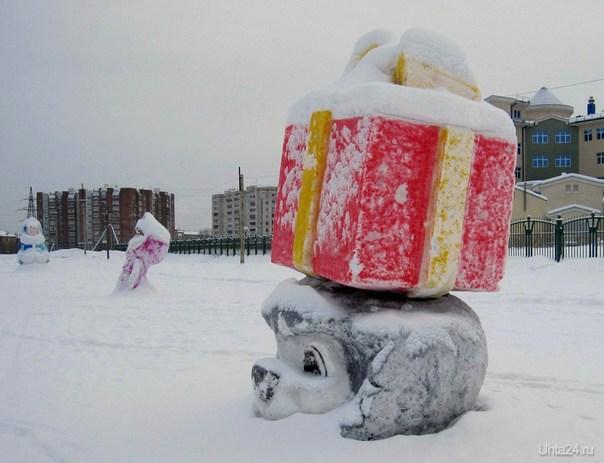 Да, подарки искать к празднику 8 марта - это головная боль для мужчин.Вот и ежик вовсю старается, чтобы угодить Машеньке и Снегурочке. С наступающим, дорогие женщины! Разное Ухта