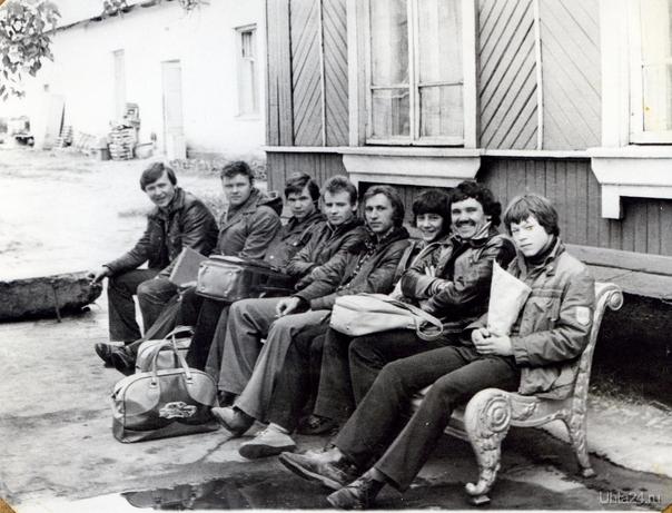 Сборная Ухты по мотокроссу,80х годов.Второй,слева,Мадзюк В.Г.-тренер сборной.  Ухта