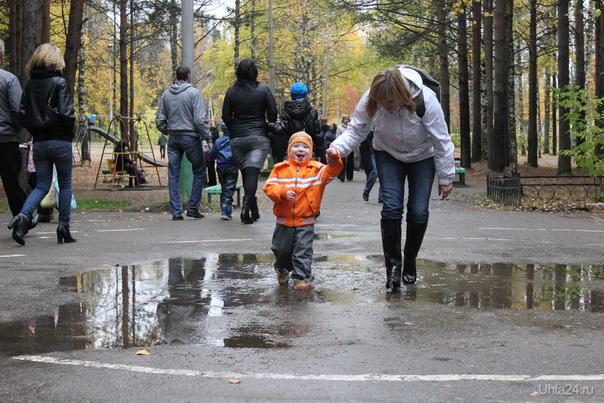 Ребенок помогает маме вспомнить детство  Ухта