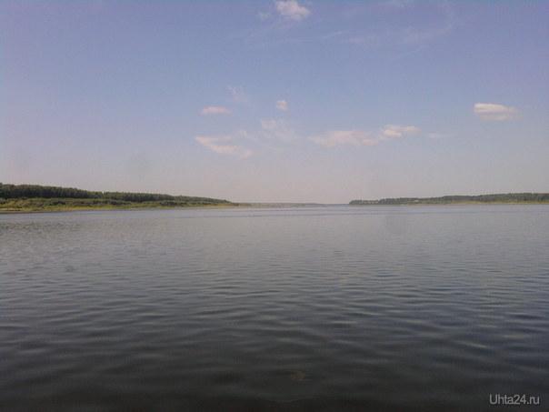 Вниз от Троицко-Печорска, вдали слева Покча, справа Русаново  Ухта