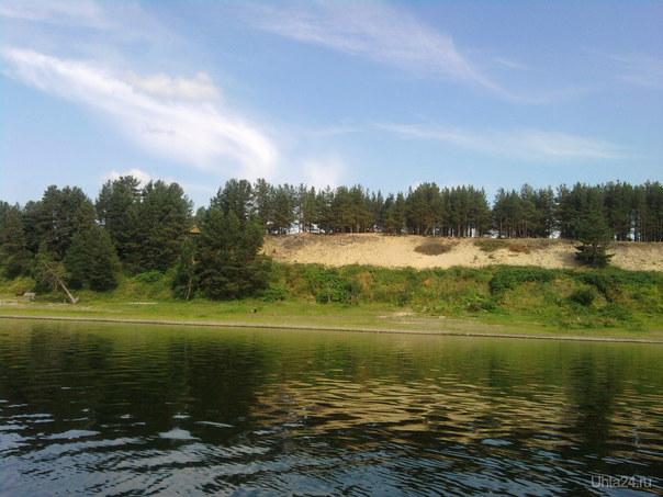 Жители Русаново валят мусор прямо в реку  Ухта