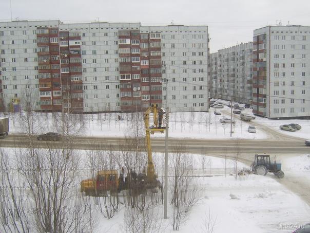 Ул.Сенюкова:заменили лампы освещения,почистили дороги  Ухта