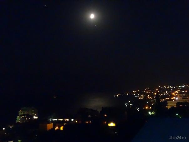 Ночная Ялта  Ухта