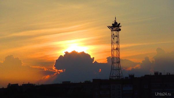 Рассвет над телецентром.  Ухта