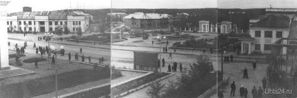 Панорама Октябрьской площади, 1965 год. Слева – проектно-изыскательская контора (ныне «ПечорНИПИнефть»), справа – ресторан «Ухта». Автор фото – Василий Жижин.   Ухта