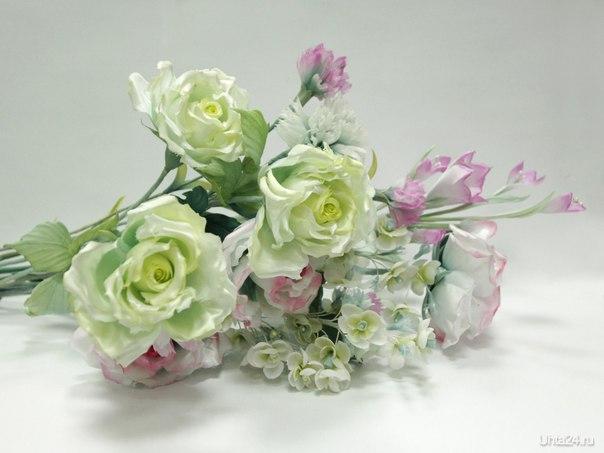 Набросок к букету...Материал - натуральные ткани пр-ва Япония. Каждый лепесток и листик окрашен в ручную  Ухта