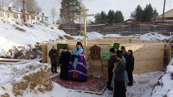 Освящение закладного камня под новый храм в Боровом 25 октября 2014 г..  Ухта