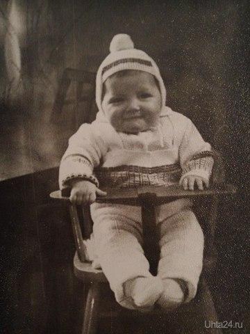 """Это я у бабушки на Первомайской 23 в советской модели """"стульчика-трансформера""""  Ухта"""