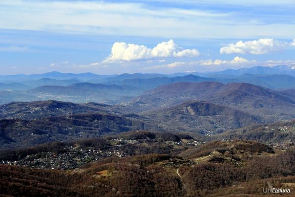 Вид со смотровой башни на горе Ахун. Сочи  Ухта
