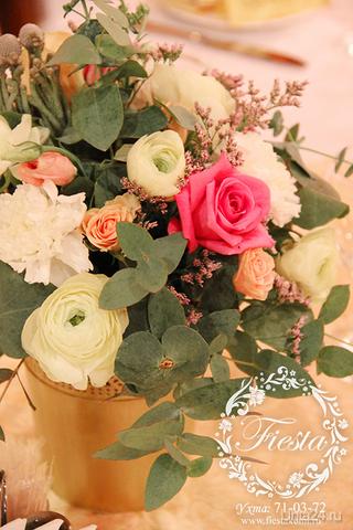 """Цветочные композиции на столы гостей. Флористика. Красивые цветы. Компания """"Fiesta"""" ФИЕСТА (FIESTA), ОФОРМЛЕНИЕ И ДЕКОР СВАДЕБ Ухта"""