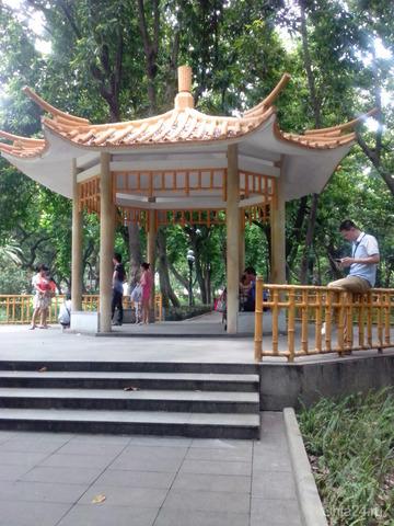 беседка в парке в этническом стиле  Ухта