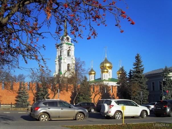У стен Тульского Кремля  Ухта