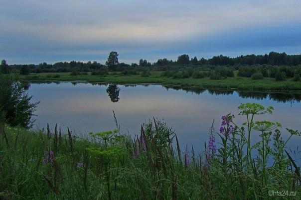 Поздний июньский вечер на озере. Снято под Сыктывкаром.  Ухта