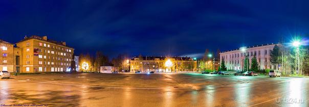 Панорама: Осенний вечер на Первомайской площади...  Ухта