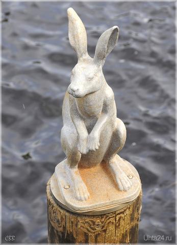 Памятник зайцу у Петропавловской крепости в Санкт-Петербурге Мир глазами ухтинцев Ухта