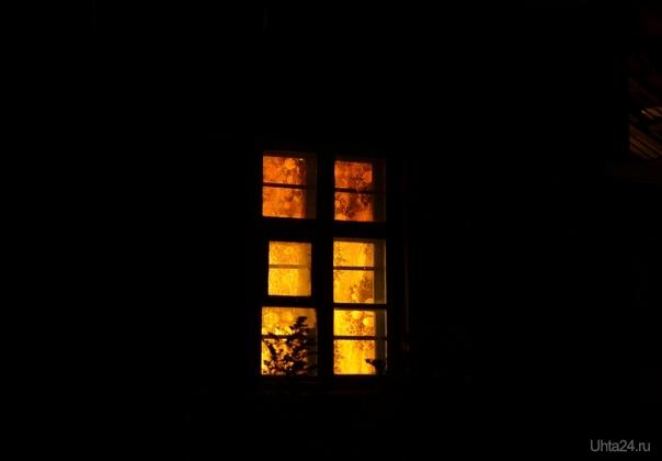 дом стоит свет горит Разное Ухта