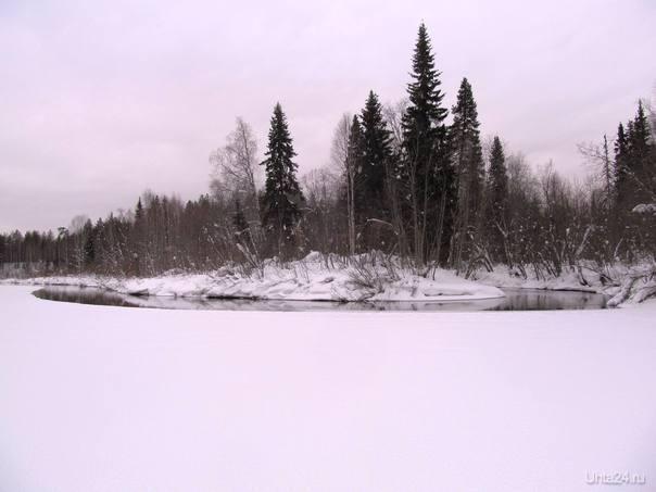 так на панораму похоже), это справа речушка впадает в другую речушку,которая сзади меня, ну и впереди Природа Ухты и Коми Ухта