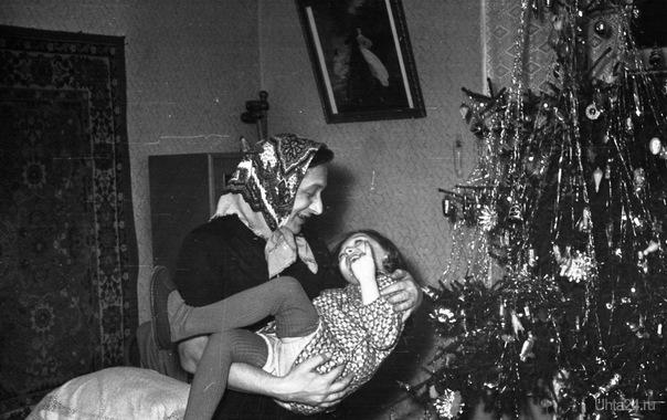 А у нас Новый 1961! В гостях дядя Женя Соломин развлекает меня сказками! Из глубин истории Ухта
