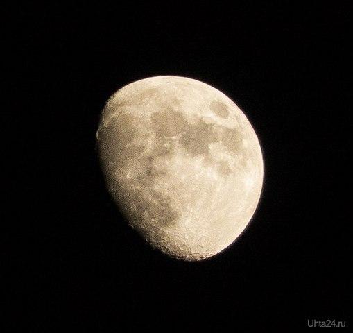 Сегодняшняя Луна...  Ухта