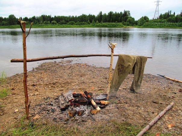 сел покакать на берегу Печоры, выпимши был, задумался не о рыбе. простирнулся заодно Природа Ухты и Коми Ухта