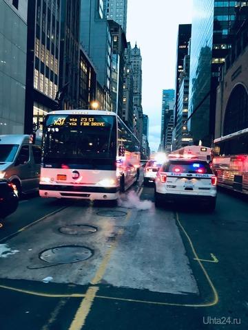 Звук сирен это неотъемлемая часть Нью-Йорка. Раньше думал, что только в кино, на самом деле 24 часа в сутки сирены воют))  Ухта