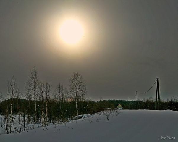 Пасмурное утро с выглянувшим на мгновение солнцем Природа Ухты и Коми Ухта