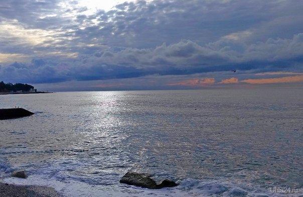 Хмурое утро. Южный берег Крыма.  Ухта