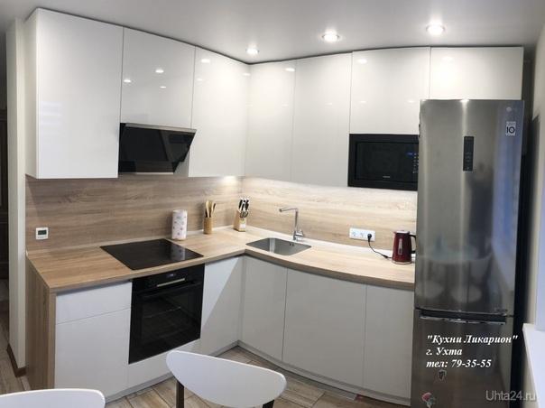 кухонный гарнитур: Белые акриловые фасады, столешница пластик с интегрированной мойкой Blanko. КУХНИ НА ЗАКАЗ, КУХНИ ЛИКАРИОН Ухта
