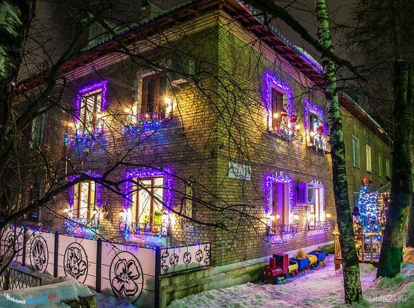 Снова праздничное настроение нам дарит домик на улице Бушуева. Улицы города Ухта