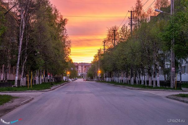 Сегодняшний рассвет на улице Юбилейной, 01:30 ночи.  Ухта