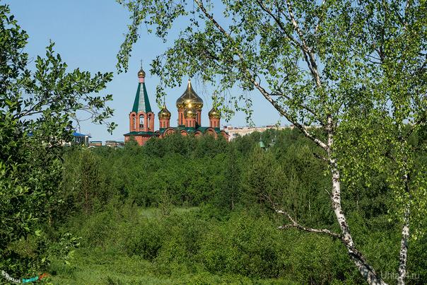 Храм в зелёном море тайги) Улицы города Ухта